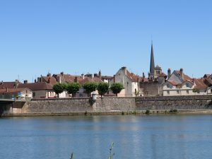 Auxonne on the banks of the Saône