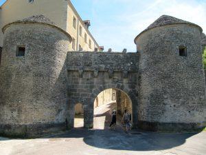 Porte de la ville de Flavigny-sur-Ozerain